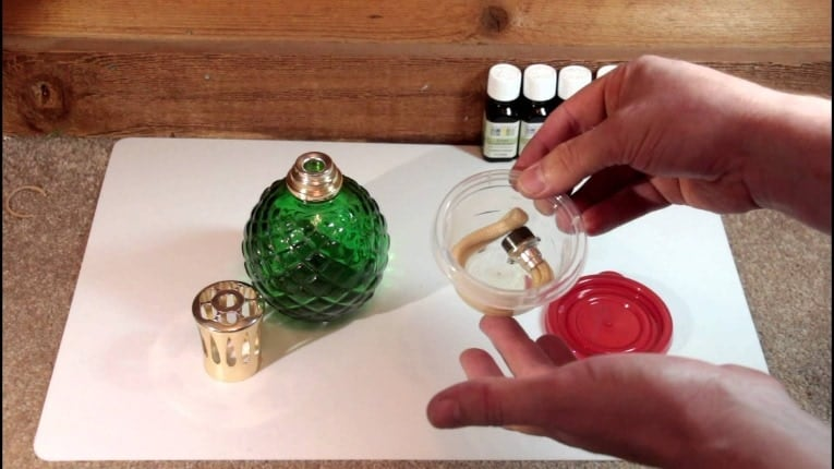 Making Your Own Perfume is Easy